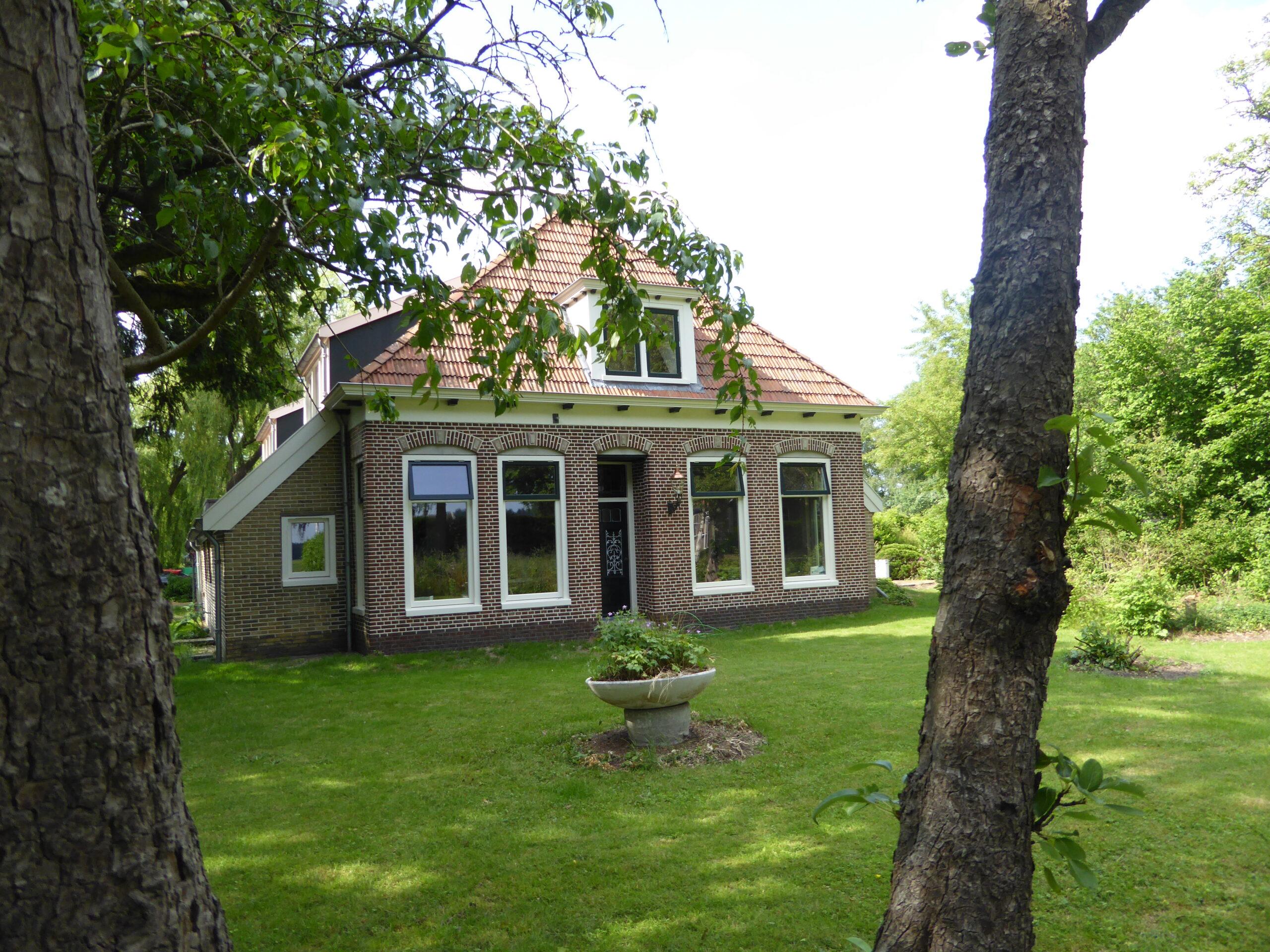 foto voorkant boerderij
